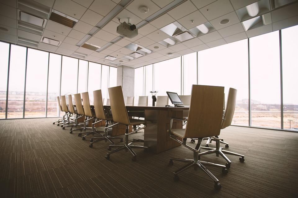 Mamparas para oficinas y salas de conferencias
