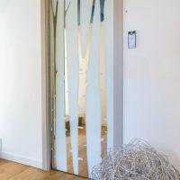 Puertas de cristal ¿correderas o abatibles?